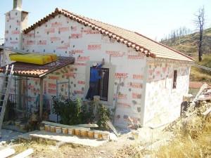 σπίτι που έχει καλυφθεί απο την εξωτερικη θερμομονωση