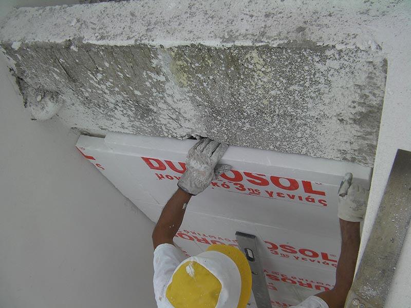 θερμοπρόσοψη σε σημεία επαφής της θερμομονωτικής πλάκας με το κτήριο