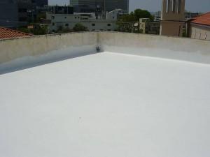 ταράτσα μετα την εφαρμογή durosol light roof για την μόνωση της