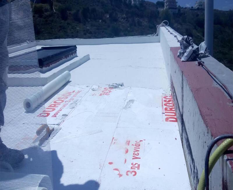 κατοικία στο Ντράφι που έχει γίνει μόνωση ταράτσας απο τους συνεργάτες της εταιρείας Φραγκουλάκη