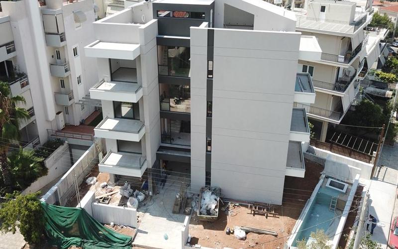 πολυκατοικία με θερμοπρόσοψη στη Βούλα